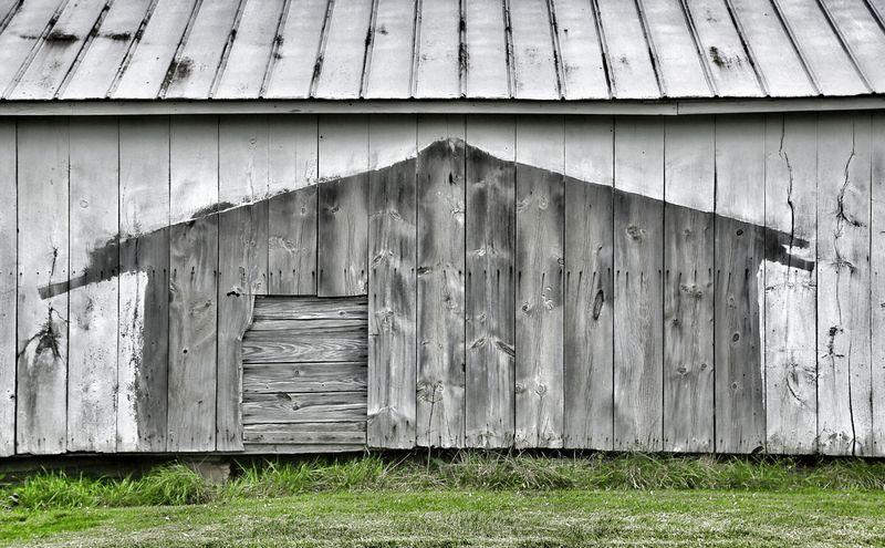 Barn shadow100